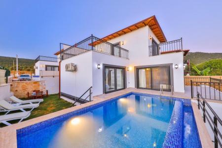 Villa Mega 2